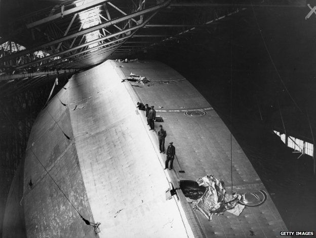Fitters and crew on top of the airship R100, during construction at Howden, Yorkshire