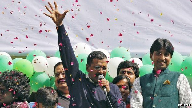 Aam Aadmi (Common Man) Party (AAP) chief and its chief ministerial candidate for Delhi, Arvind Kejriwal (C) addresses his supporters in New Delhi February 10, 2015.
