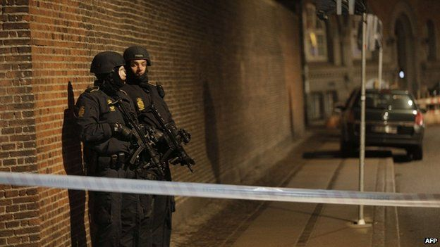 Armed police in central Copenhagen. 14 Feb 2015