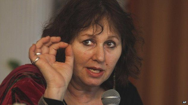 """British filmmaker Leslee Udwin addresses a press conference on her documentary film """"India""""s Daughter,"""" about the Dec. 16, 2012 gang rape in a moving bus, in New Delhi, India, Tuesday, March 3, 2015."""