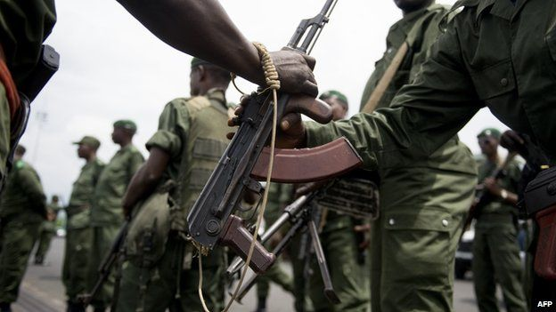 Congolese soldiers receiving weapons for offensive against rebels