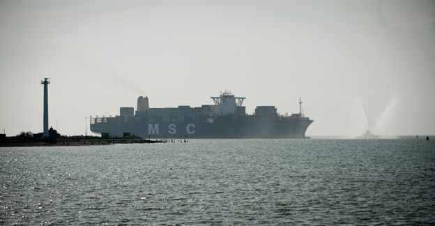 MSC Oscar comes into harbour at Felixstowe