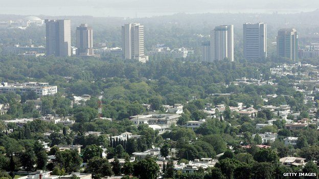 An aerial shot shows part of the Pakistani capital of Islambad 20 October 2005 s