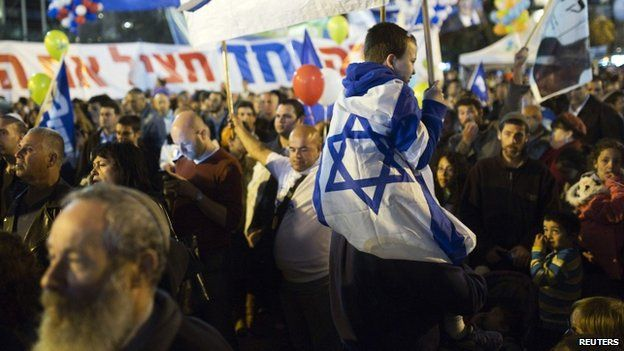 Israelis attend a right-wing rally in Tel Aviv's Rabin Square March 15, 2015.