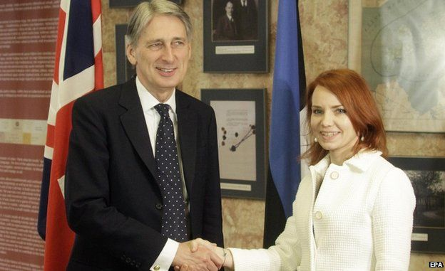 UK Foreign Secretary Phillip Hammond and Estonian Foreign Minister Keit Pentus-Rosimannus (Feb 2015)