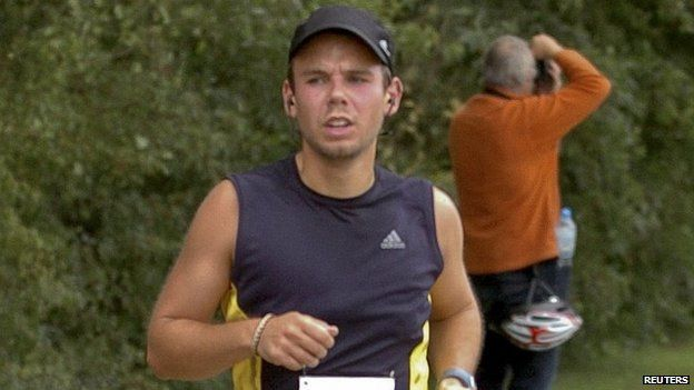 Andreas Lubitz runs the Airportrace half marathon in Hamburg in file image from 13 September 2009