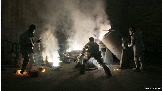Iranian technicians at Isfahan uranium conversion facility (file photo)