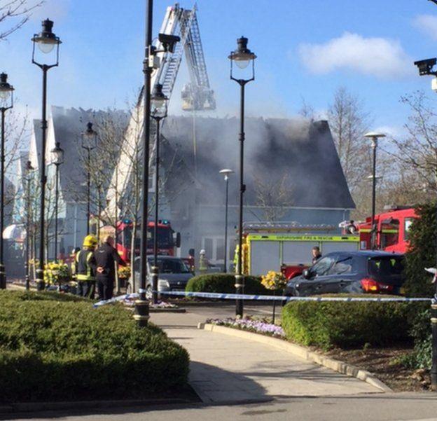 Bicester Village Fire At Carluccio S Restaurant Bbc News