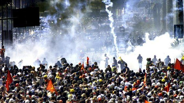 Clashes in Genoa, Italy in July 2001