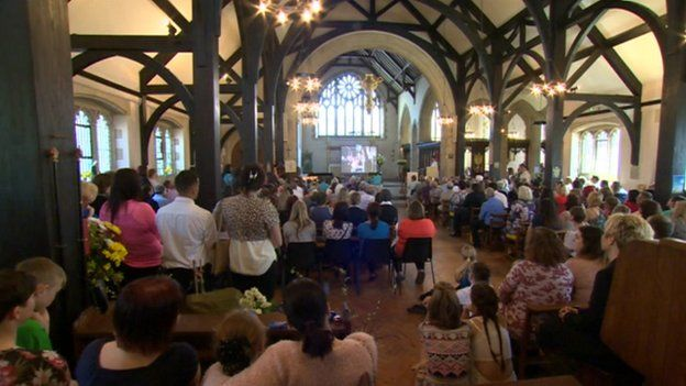 Hayley Okines: Bexhill funeral for progeria campaigner - BBC