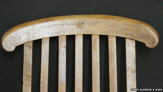 ... rescue mission Titanic deckchair & Titanic deckchair sells for £85000 at auction - BBC News