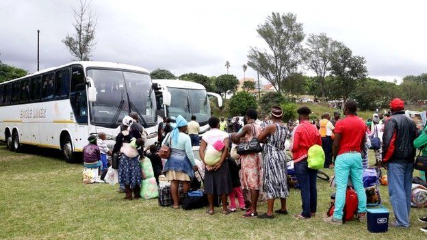 Foreign nationals leave for Zimbabwe, 19 April