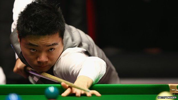 Ding Junhui of China in action