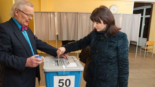 Estonian voting in March 2015 election