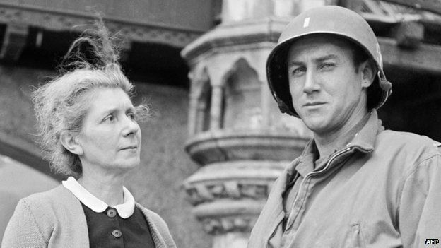 De Gaulle's sister Marie-Agnes Cailliau with a US soldier after liberation