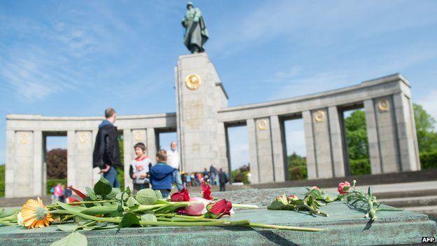 Flowers laid at the Soviet War Memorial in Berlin's Tiergarten district on 8 May 2015