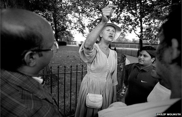 An Christian argues with hecklers at Speakers Corner, 2001