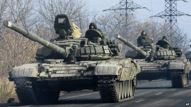 Donbas rebels using Russian tanks - file pic