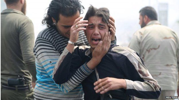 Civilians in shock after an attack in Aleppo (12/05/15)