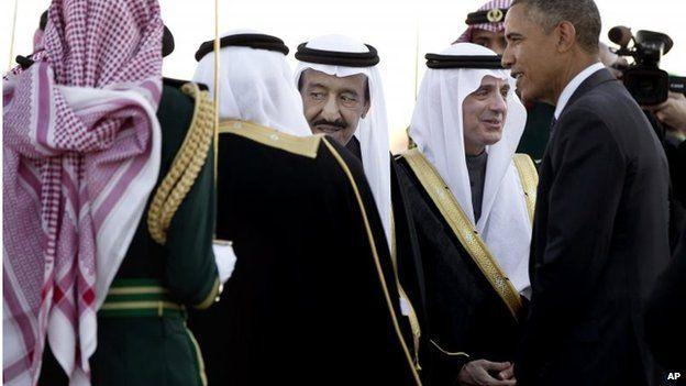Saudi King Salman bin Abdul Aziz (centre) and Barack Obama in Riyadh (27/01/15)
