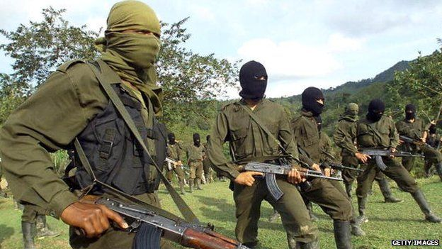 members of the guerrilla of ELN are trained in San Francisco, Antioquia 12 October, 1998.