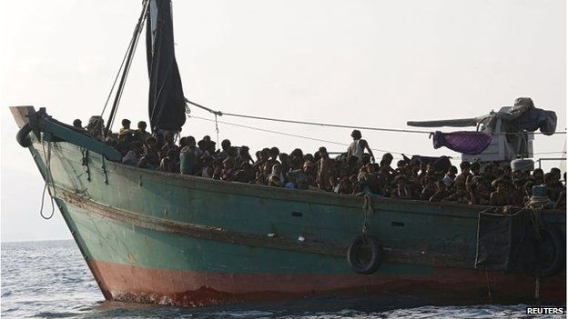 Migrants on board a ship off Koh Lipe, Thailand (16 May 2015)