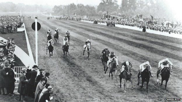 Racing at Hurst Park - the Richemont Plate