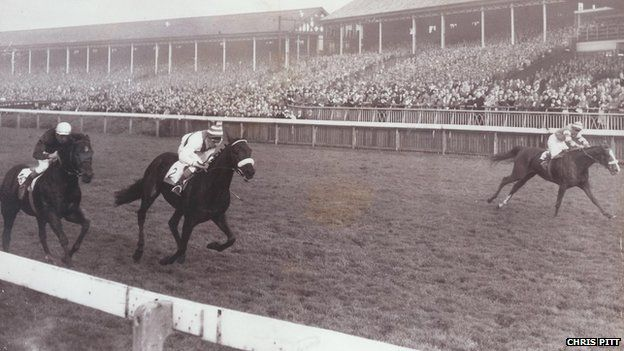 The final November handicap at Manchester Racecourse in 1963