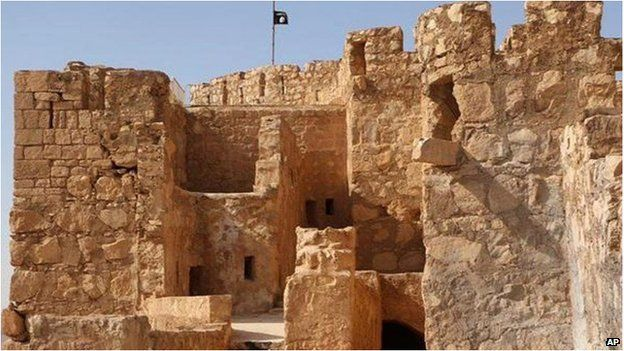 Islamic State flag on the to top of Palmyra castle.