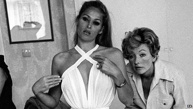 Julie Harris (right) with Ursula Andress in 1966