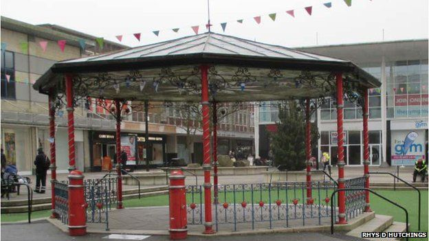 The former bandstand from Gatwick racecourse, now in Crawley town centre