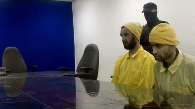 Two IS prisoners in Baghdad