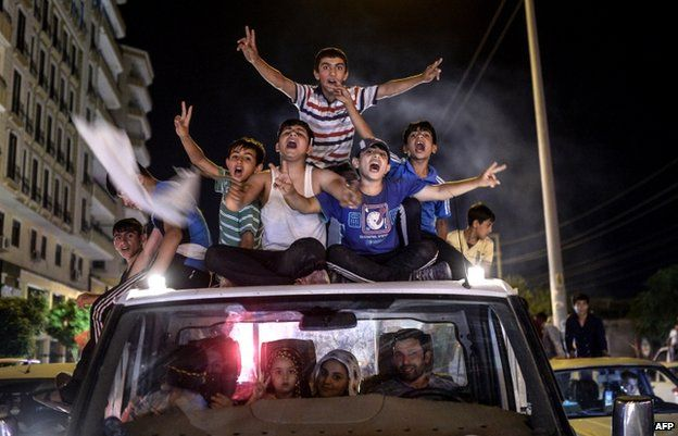 Young HDP supporters celebrate in Diyarbakir (7 June)