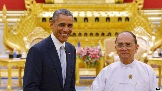 US President Barack Obama shakes hands with Myanmar's President Thein Sein - 13 November 2014