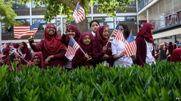 Education key, Michelle Obama tells London schoolgirls - BBC News