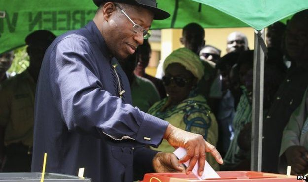 Nigerian incumbent president Goodluck Jonathan casts his ballot at a polling station in Otueke, Bayelsa state, Nigeria, 28 March 2015
