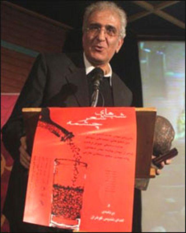 """احمد پوری، نویسنده رمان """"دو قدم این ور خط"""" و """"این هم یک جور بازی است"""""""