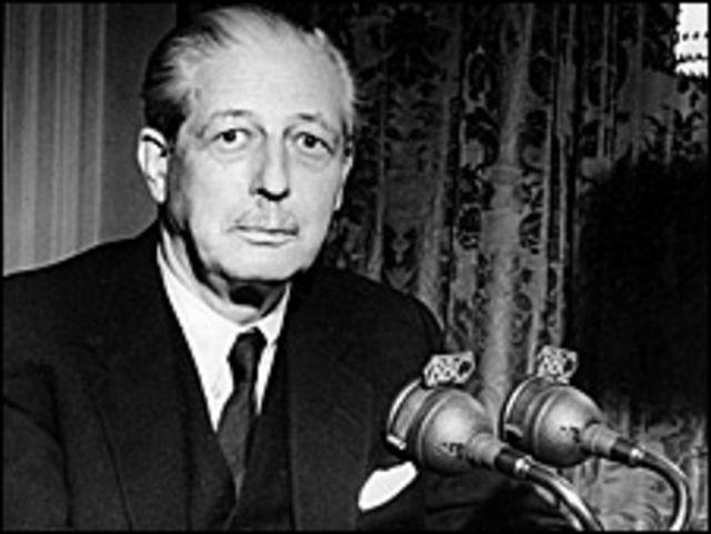 El ex primer ministro Harold Macmillan en 1958