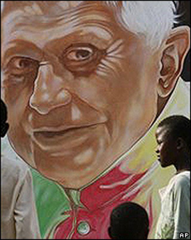 Imagen del Papa en calle de Yandé