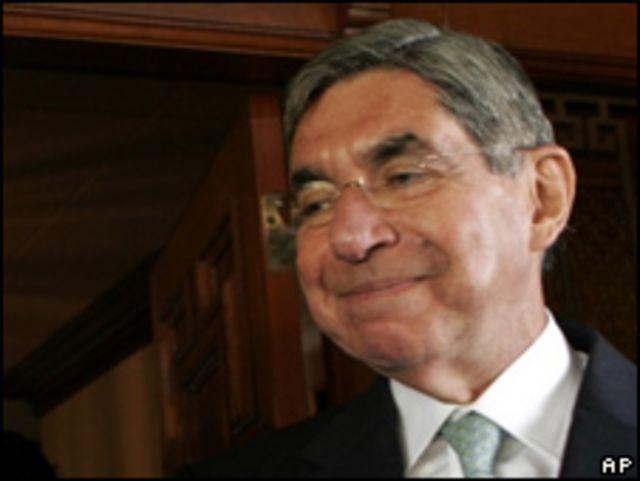 Óscar Arias, presidente costarricense