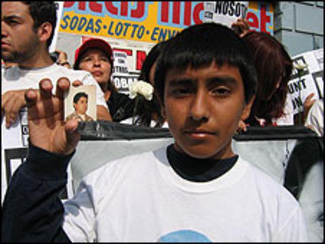 Kevin Prada, de 12 años, su padre fue deportado a Perú