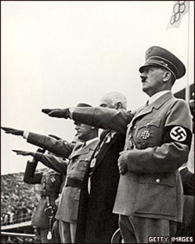 Adolf Hitler, en los Juegos Olímpicos de Berlín, en 1936.