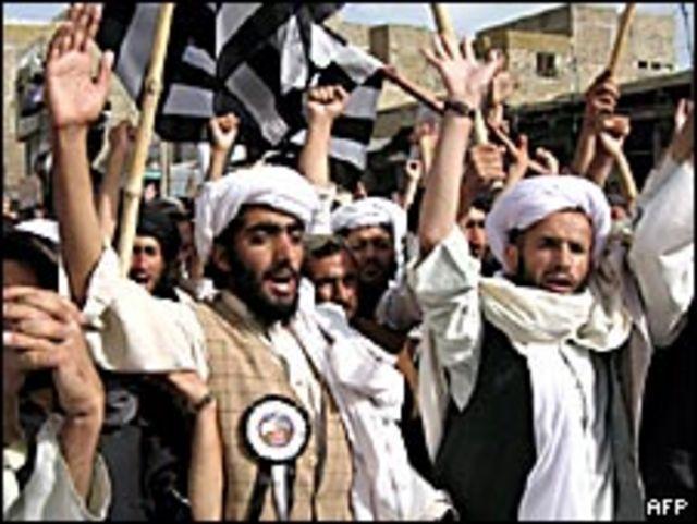Protesta de militantes en Pakistán.