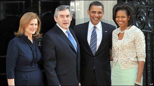 ara y Gordon Brown junto a Barack y Michelle Obama