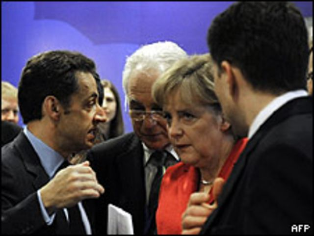 Nicolas Sarkozy y Angela Merkel antes del inicio de la Cumbre del G-20 en Londres