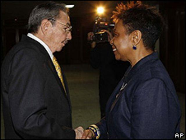 Raúl Castro y Barbara Lee