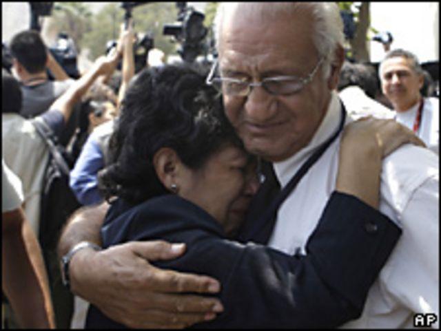 Familiares de las víctimas de la administración del ex presidente Alberto Fujimori