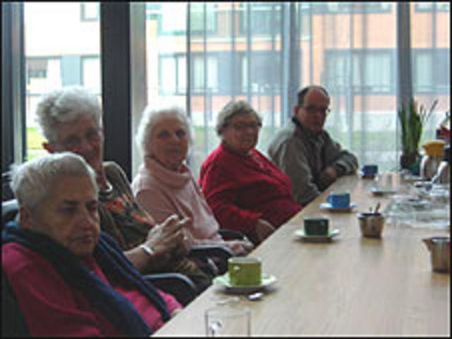 Ancianos (Foto: Inder Bugarin)