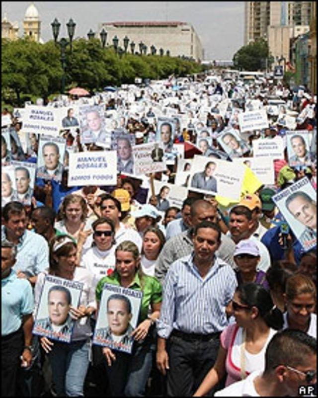Manifestación en apoyo de Rosales, 20.4.09