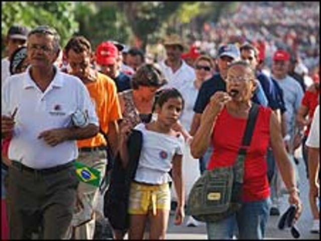 Desfile del 1 de mayo en La Habana. (Foto: Raquel Pérez)